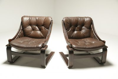 Pair of Leather Cantilever Lounge Chairs the vintage hub