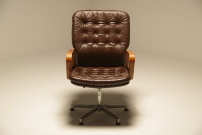Vintage Deep Buttoned Leather Swivel Chair
