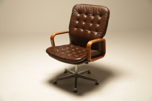 Vintage Deep Buttoned Leather Swivel Chair the vintage hub