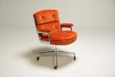 Eames Time Life Lobby Chair in Velvet