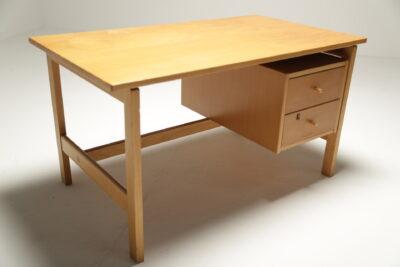 Oak Hans Wegner Student Desk GE125 by Getama, Denmark