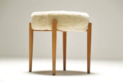 Vanity stool with wooly top