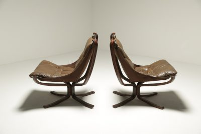 Pair of Falcon Chairs by Sigurd Ressell